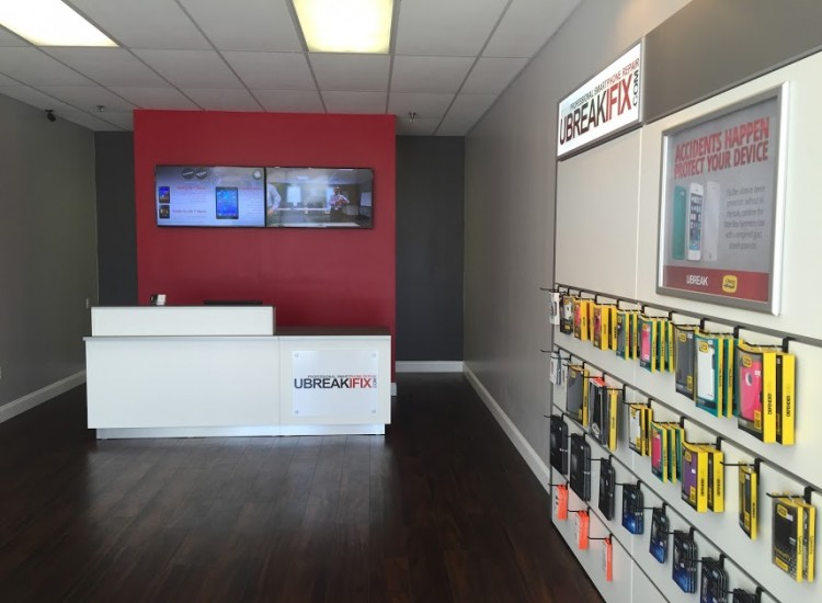 uBreakiFix Boynton Beach Store Photo 4