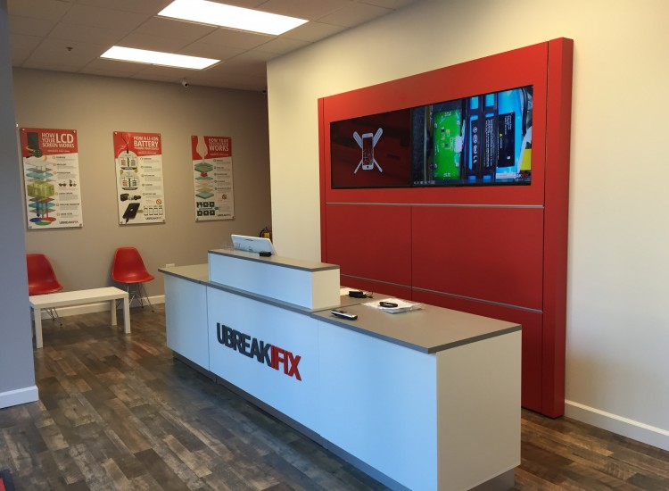 uBreakiFix Emory Point Store Photo 3
