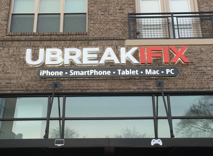 uBreakiFix Emory Point Store Photo 2