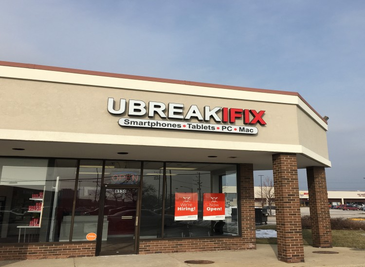 uBreakiFix Niles Store Photo 2
