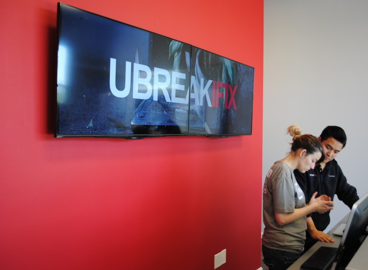 uBreakiFix Santa Clara Store Photo 5