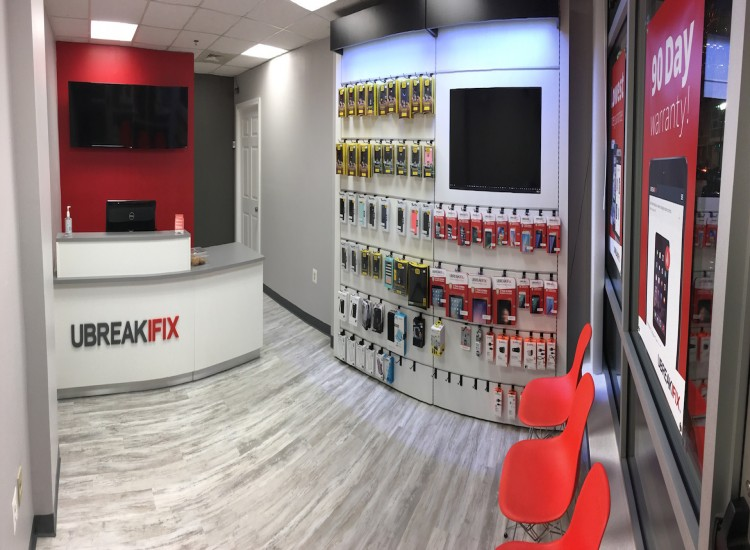 uBreakiFix Shaw Store Photo 2