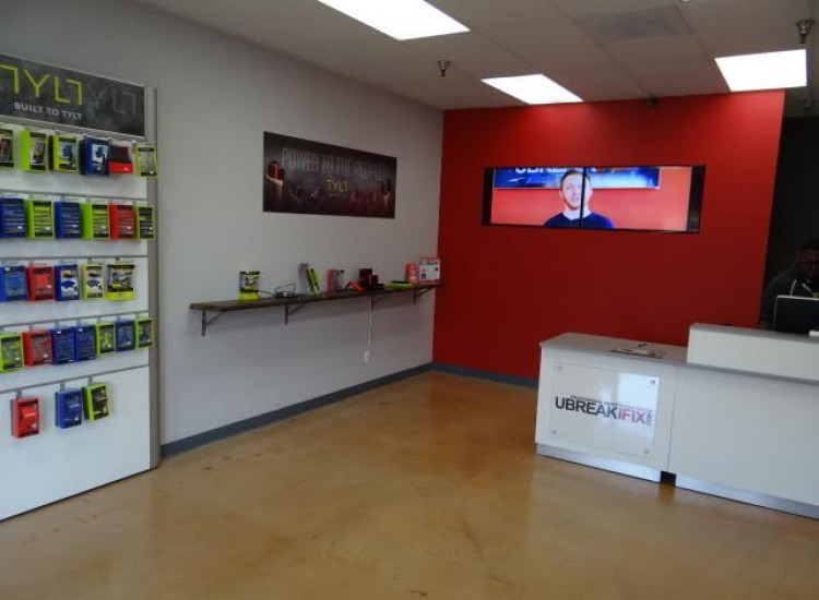 uBreakiFix Simi Valley Store Photo 2