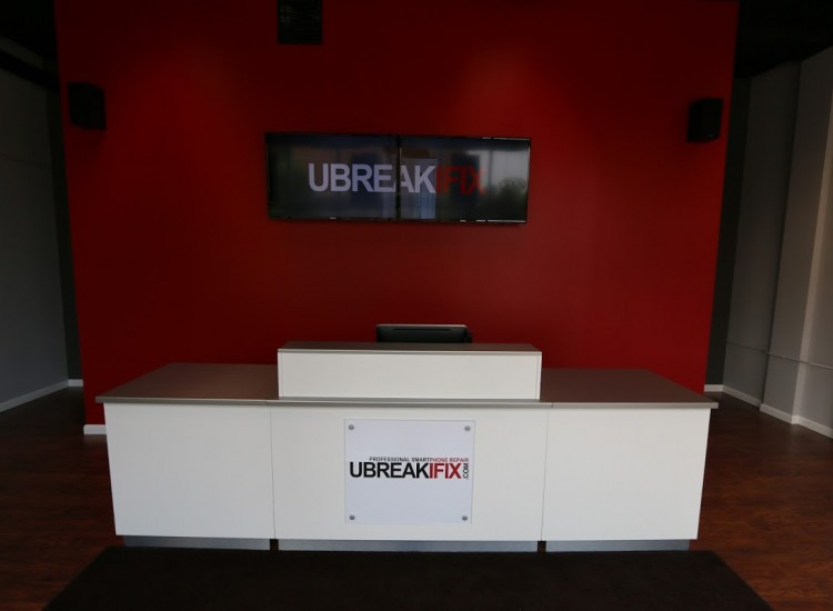 uBreakiFix Whitefish Bay Store Photo 3